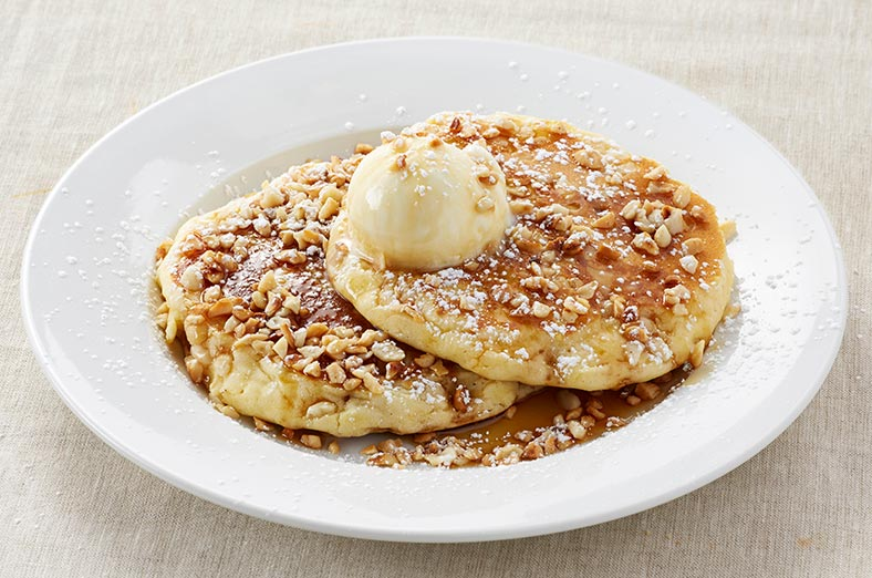 Pancakes with Macadamias