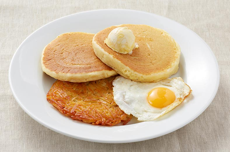 Pancakes, egg and hashbrown